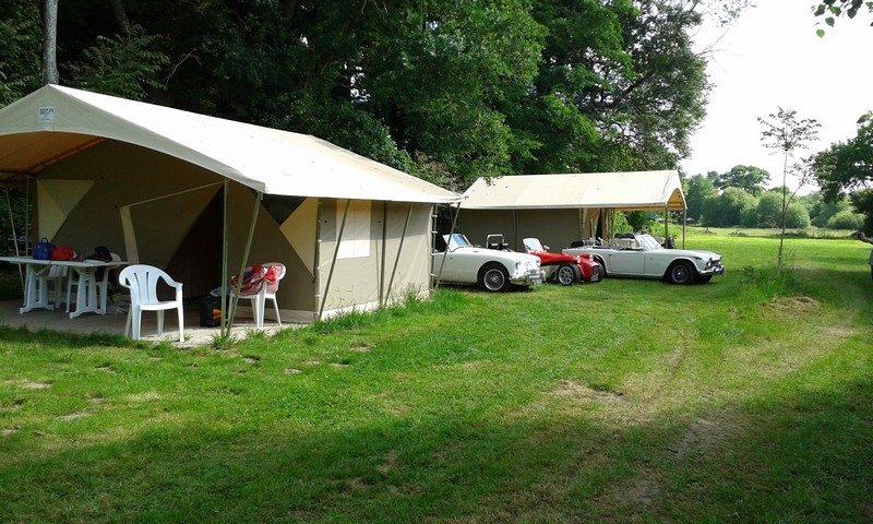 Camping en famille dans la vallée de l'Oust